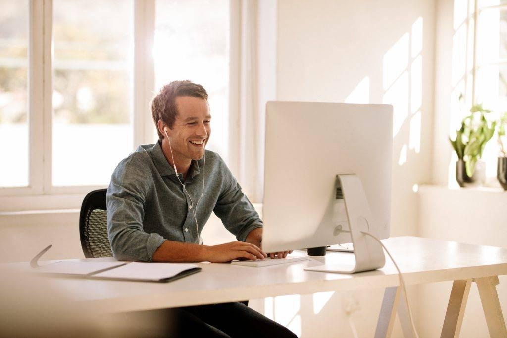 FutureManagement - Otthonról dolgozni szuper, de van egy pár home office aranyszabály, amit jobb, ha betartunk!